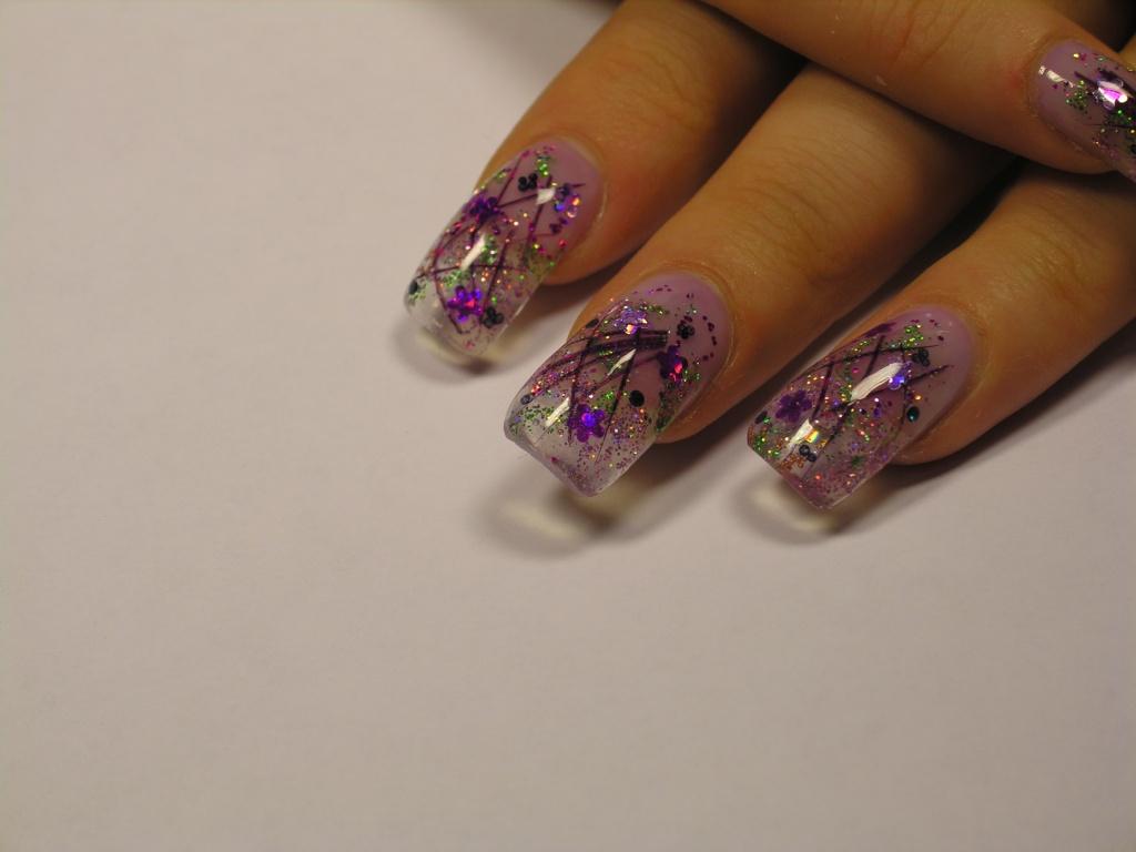 Маникюр сухоцветы на ногтях фото